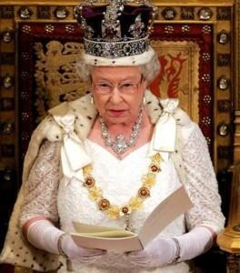 queen-reading-264x300