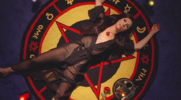 the-love-witch-samantha-robinson-600x334.png