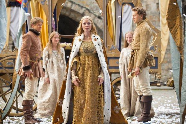 the-white-queen-starz-coronation.jpg